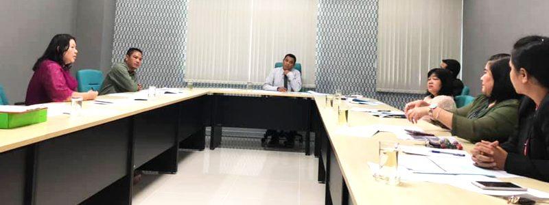 การประชุมคณะกรรมการวิเคราะห์ข้อมูลอัตราการจัดเก็บค่าน้ำประปาและค่าไฟฟ้า สวัสดิการที่พักอาศัยของบุคลากรมหาวิทยาลัยราชภัฏสุราษฎร์ธานี วันที่ 20 พฤศจิกายน 2561